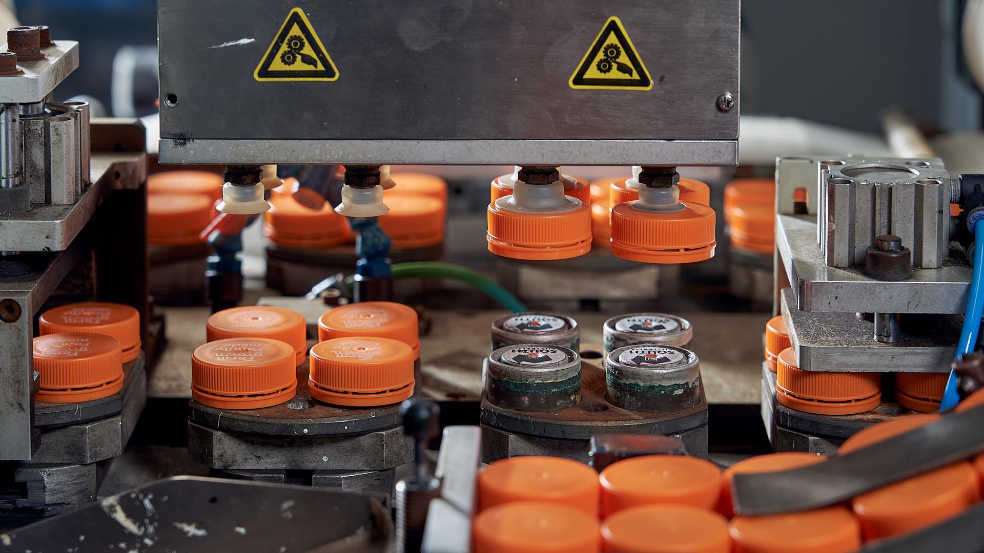 plastic-lids-production